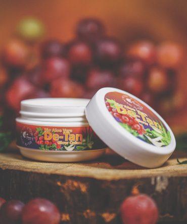V-Schön Bio Aloe Vera De-Tan Glow Cream